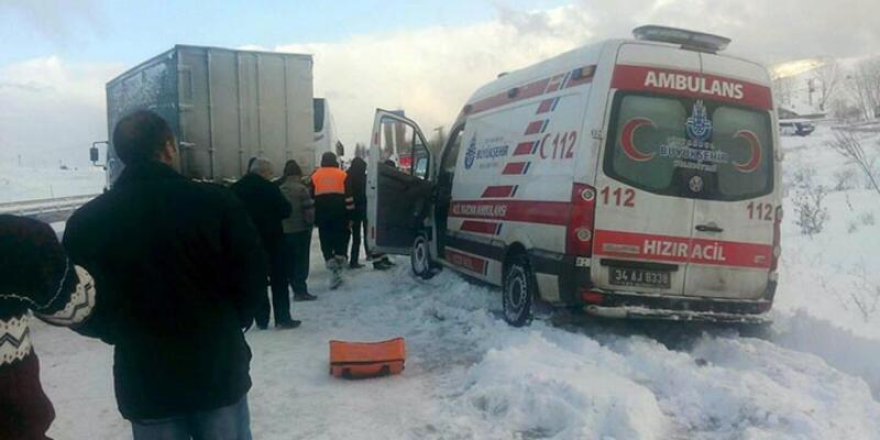 Ankara'da kar trafiği birbirine kattı