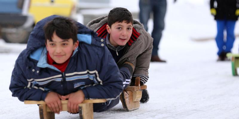 Kar yağdı eğitime ara verildi