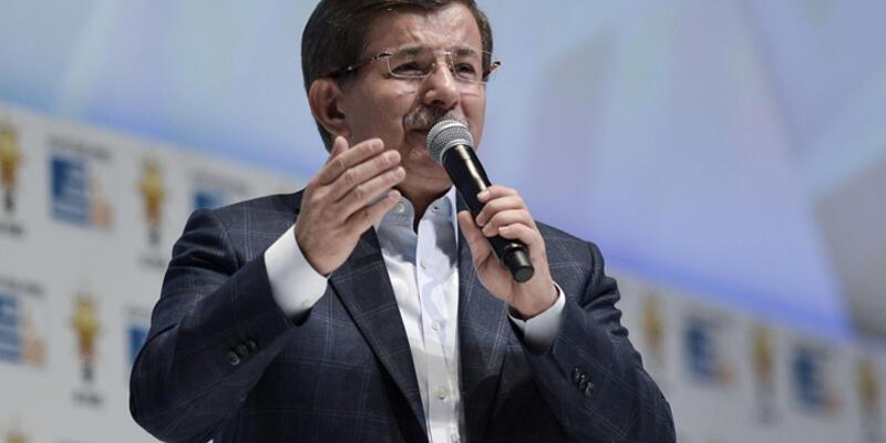 """Davutoğlu: """"Milletle danışarak Anayasa'yı mutlaka değiştireceğiz"""""""