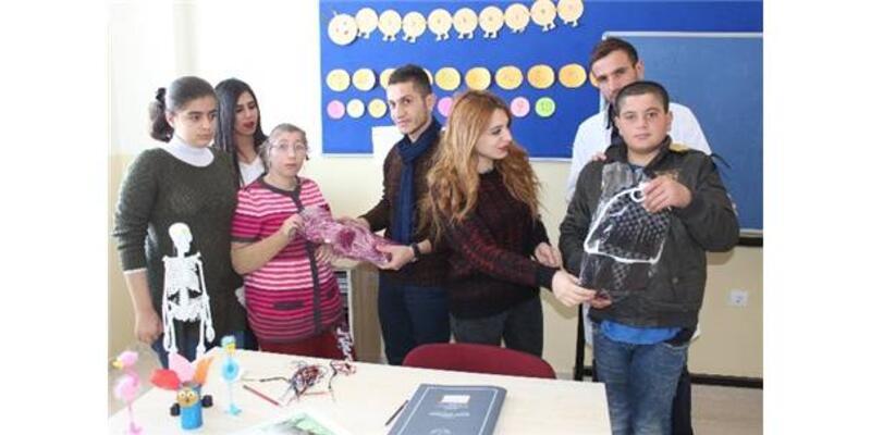 Üniversite Öğrencilerinden 'Sevgi Günü' Projesi