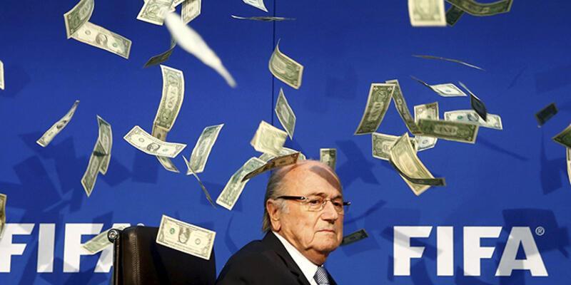 Sepp Blatter'a 100 milyon dolarlık suçlama