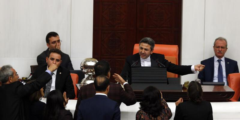 HDP milletvekilleri Başkanlık Divanı'na yürüdü