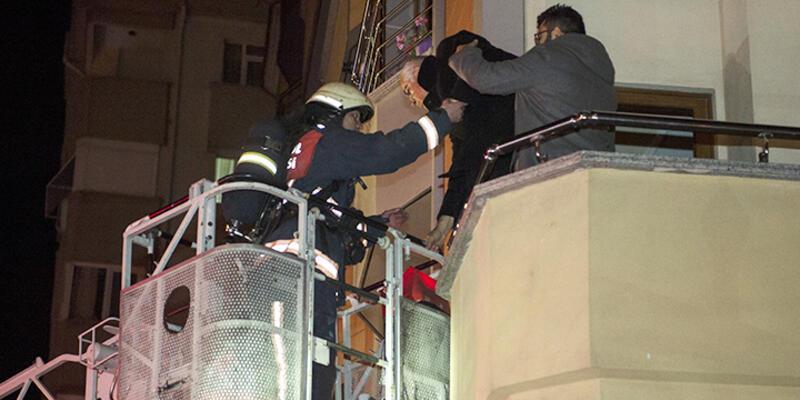 Kartal'daki 5 katlı binada yangın paniği