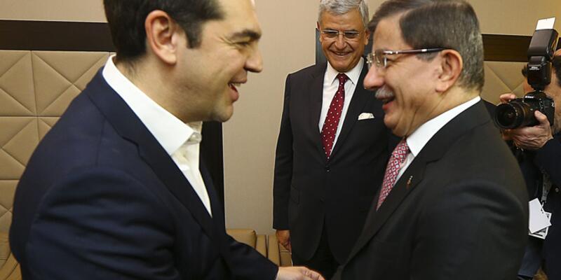 Başbakan Davutoğlu Brüksel'de Çipras'la görüştü