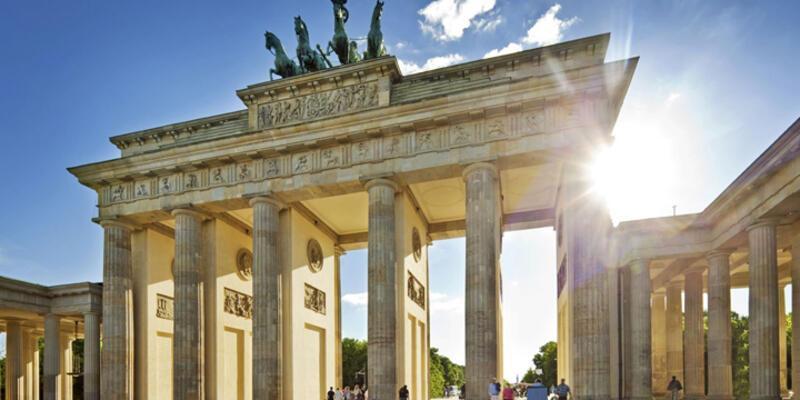 Almanya için büyüme tahmini düşürüldü