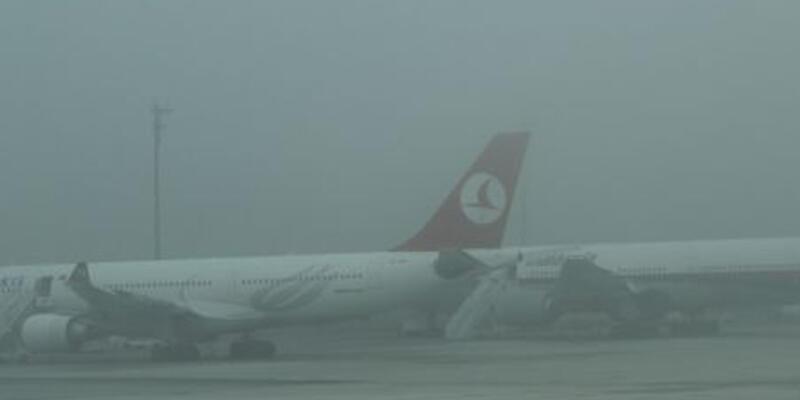 Elazığ'da yoğun sis uçak seferlerini iptal ettirdi
