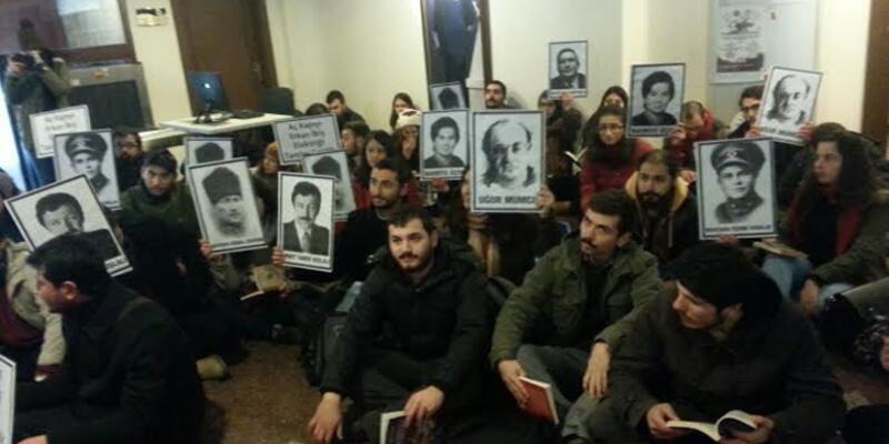 Ankara Üniversitesi'nde öğrenciler rektörlüğü işgal etti