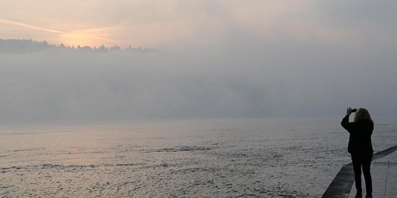 İstanbul Boğazı sis nedeniyle deniz trafiğine kapatıldı