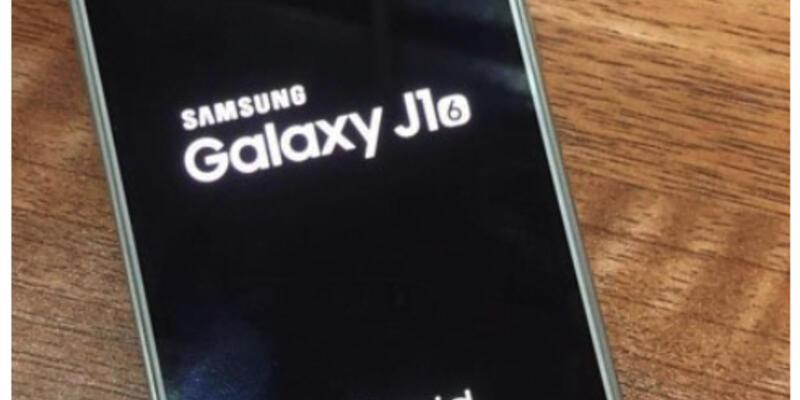Samsung Galaxy J1 modelini yeniliyor
