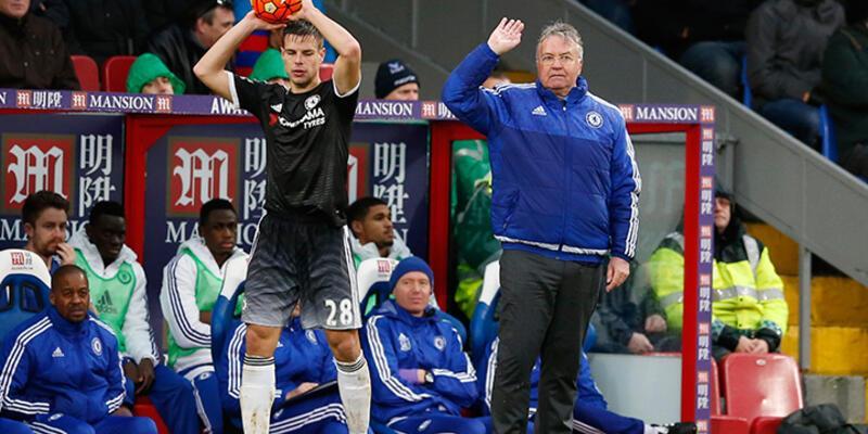 Hiddink'li Chelsea deplasmanda fark attı