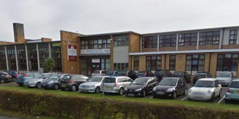 İngiltere'de okulda saldırı paniği