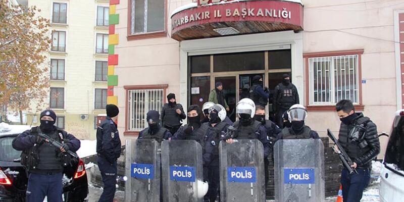 DBP'nin Diyarbakır İl Başkanlığına polis baskını: 2 gözaltı