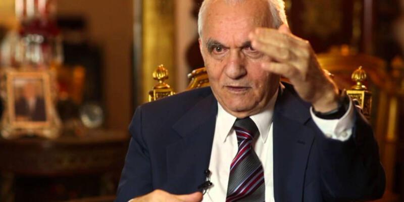 Eski Dışişleri Bakanı Yaşar Yakış AK Parti'den ihraç ediliyor