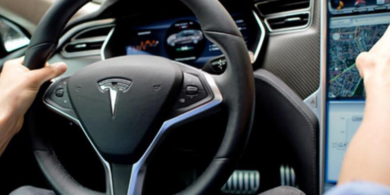 Tesla Summon otomatik park özelliği!
