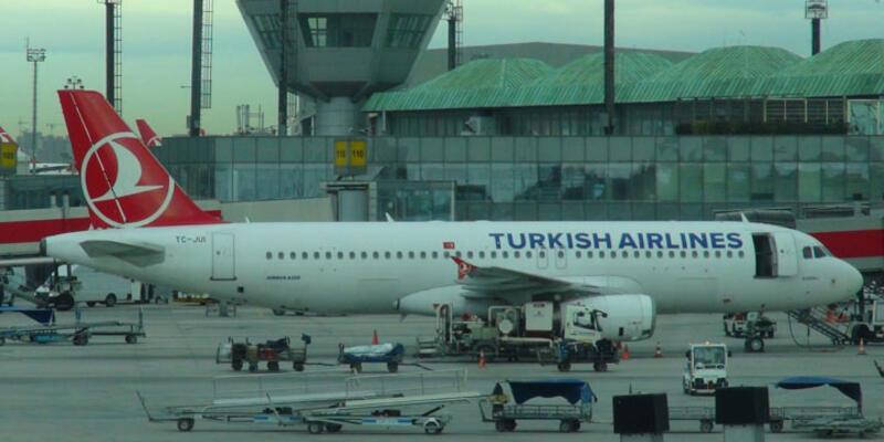 Rus yolcular THY uçağından indirildi
