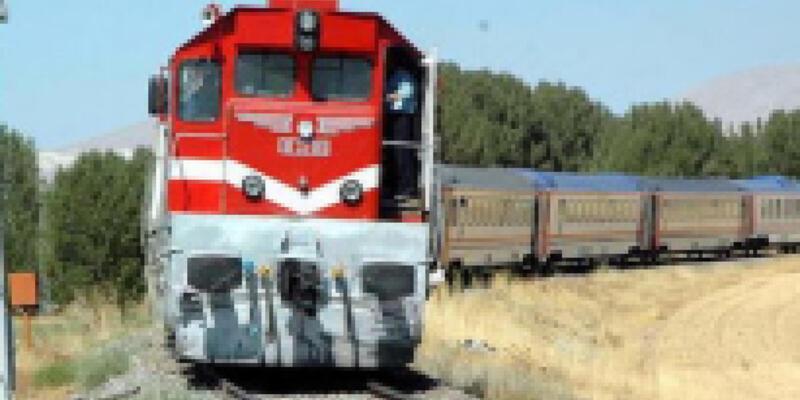 İran-Van seferini yapan yük trenine saldırı