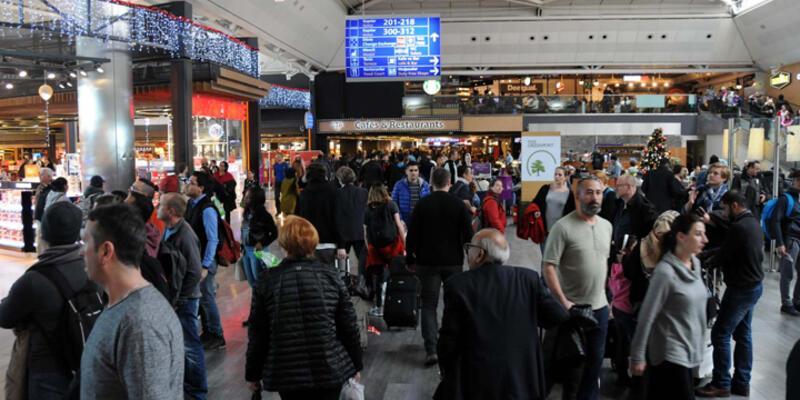 """Atatürk Havalimanı'nda """"sahte polis"""" gözaltısı"""
