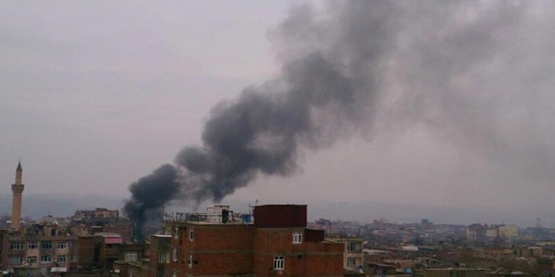 Sur'da 1'i ağır 3 polis yaralandı