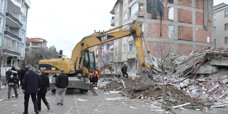 Yozgat'ın Yerköy ilçesindeki 5 katlı apartman çöktü
