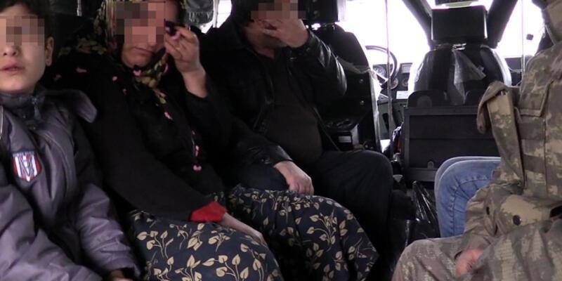 Sur'da 40 gündür karanlık bir odada yaşıyorlardı