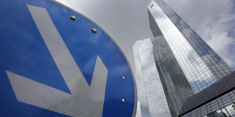 Deutsche Bank'tan rekor zarar!