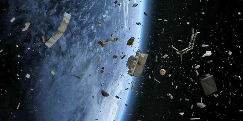 """Rus bilim insanları: """"Dünya savaşı uzay çöpünden dolayı çıkacak"""""""