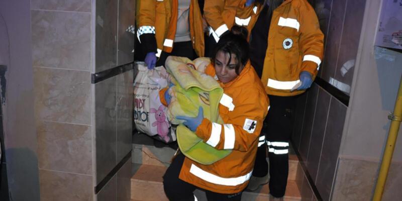 İzmir'de yeni doğan bebeği sokağa terk ettiler