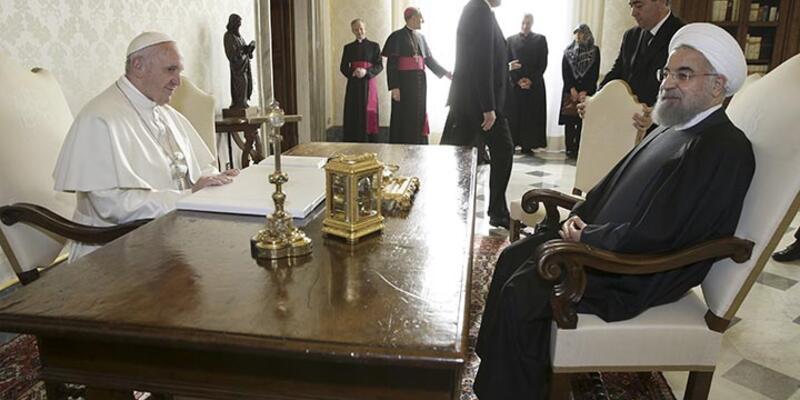 İran lideri Ruhani, Papa'dan kendisi için dua etmesini istedi