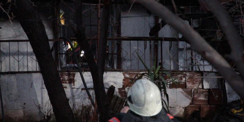 Ataşehir'de gecekondu yandı: 1 ölü