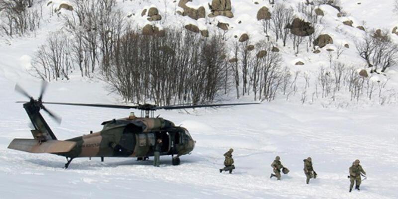 Tunceli'de PKK'ya 2 metre karda operasyon