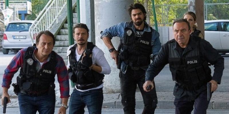 Arka Sokaklar'da Murat Komiser'den şok karar!