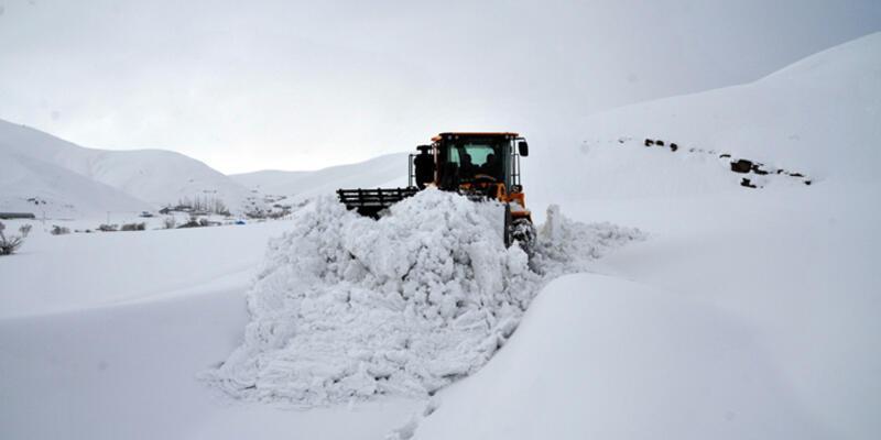 Doğu'da kış ulaşımı aksatıyor
