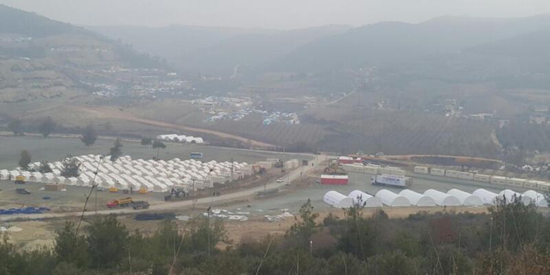 Sınıra gelen Türkmenlerin tamamı geçişi tamamladı