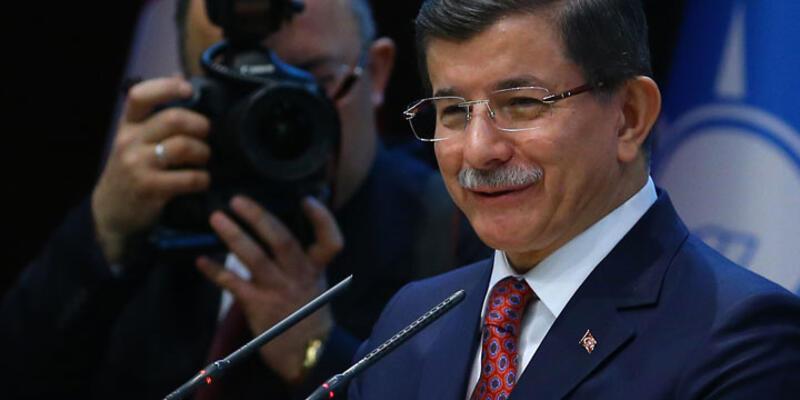 """Davutoğlu: """"Doğum yapan kadın vatani görev yapıyor"""""""