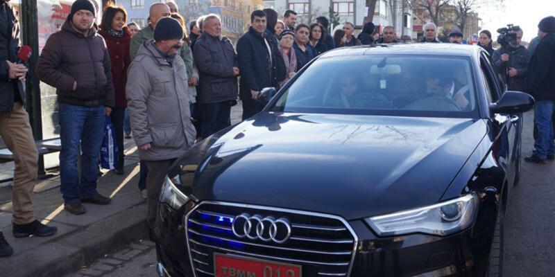CHP'li vekil TBMM plakalı makam aracıyla yolcu taşıdı