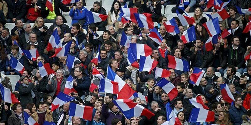 Stade de France'ta patlayan bombaların ardından ilk maç