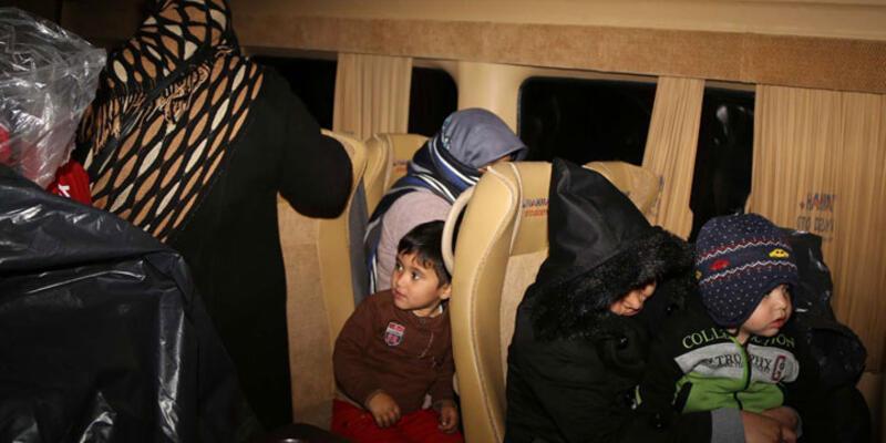 Trafikte yol verme kavgası 34 mültecinin hayatlarını kurtardı