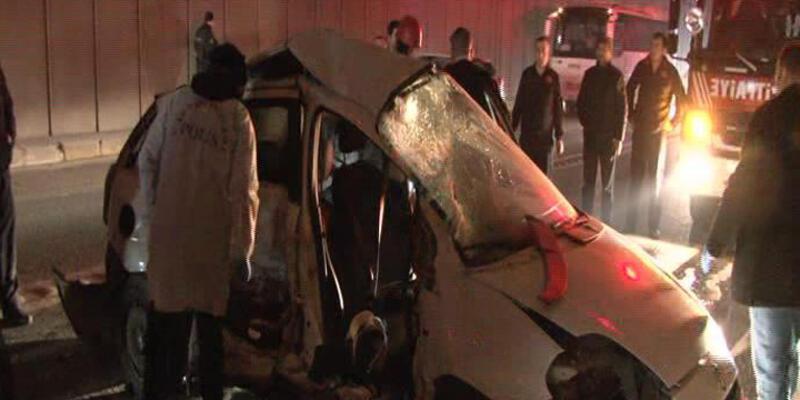 Ümraniye'de otomobil ile kamyonet çarpıştı: 2 ölü, 3 yaralı