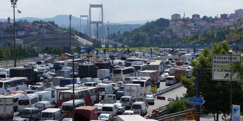 Tatil bitti İstanbul'da trafik felç oldu