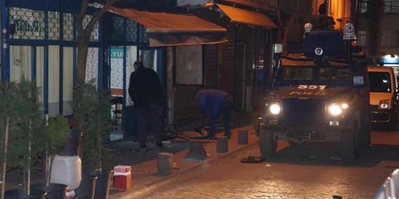 Beyoğlu'nda köy derneğine ses bombası attılar