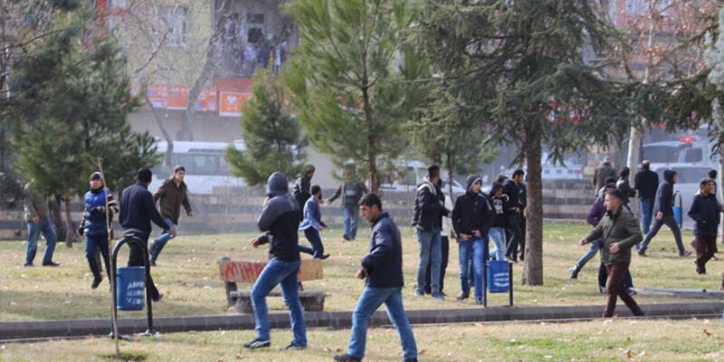 Diyarbakır'daki gösterilerde 1 kişi öldü