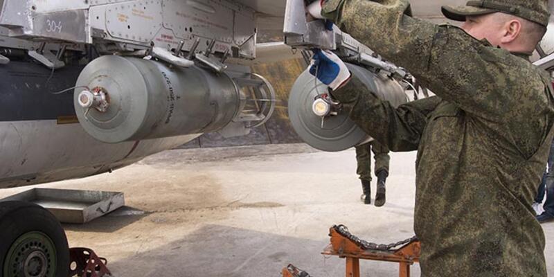 Rus uçakları Humus'un kuzeyini bombaladı