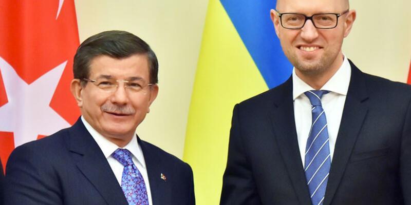 """Başbakan Davutoğlu: """"Türkiye güvenlik güçlerinden hiçbir unsur Suriye içinde değildir"""""""