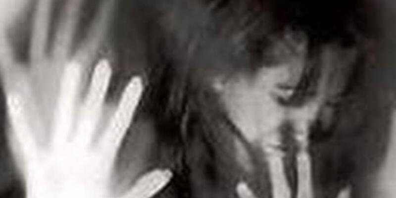 Öz kızına tecavüzden tutuklu olarak yargılanıyor