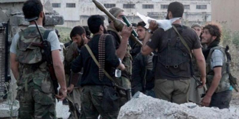Suriyeli muhalifler YPG'ye karşı Türkiye'den Suriye'ye geçti