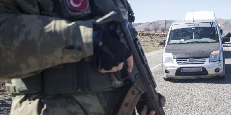 İdil'de bir asker ve bir polis şehit oldu