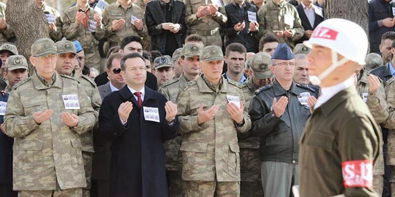 Diyarbakır'da şehit olan 6 asker son yolculuğuna uğurlandı