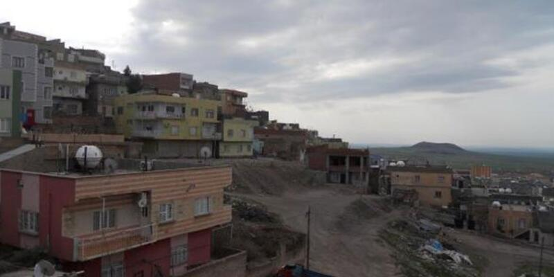 Hendek kazmak isteyen PKK'lılar polisle çatıştı