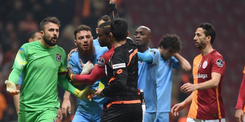Arena'da 4 kırmızı kart 3 gol: Galatasaray:2 Trabzonspor:1