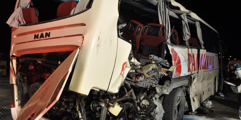 Trafik kazalarında 7 kişi öldü 22 kişi yaralandı